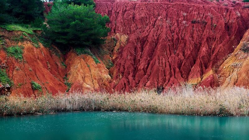 Cava di bauxite (fonte foto Leccesette.it)